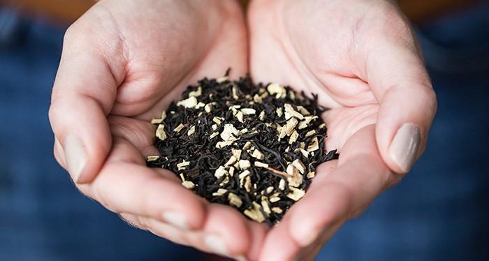 tea_in_hands